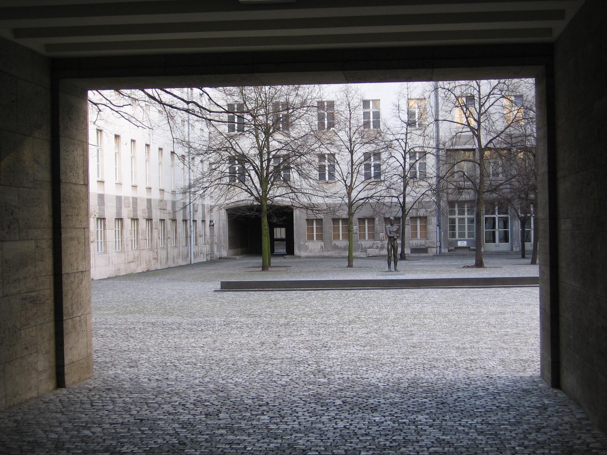 Blick in den Innenhof des Bendlerblocks
