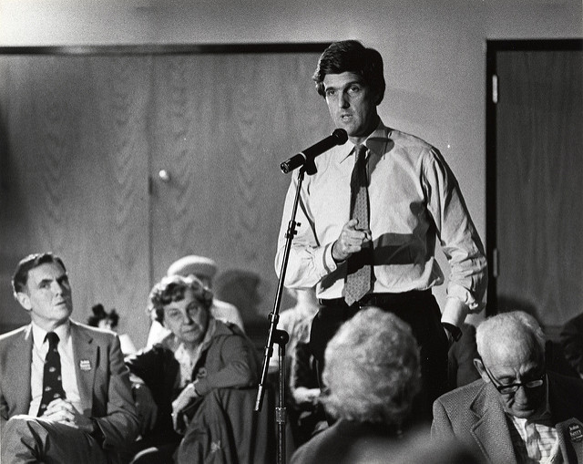 John Kerry 1984. Flickr: City of Boston Archives (CC BY 2.0)