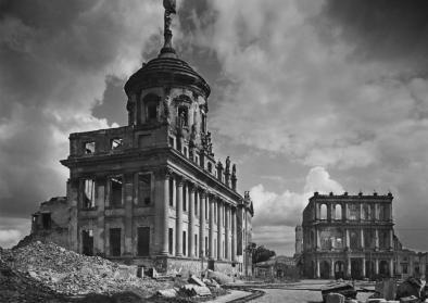 Ruinen des Alten Rathauses und des Palastes Barberini am Alten Markt Potsdam, 1946–1948