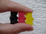 Schwarz-Rot-Goldene Gummibären.  © User: Lynne Hand, Tag der Deutschen Einheit, 3.11.2007. Quelle: Flickr (CC BY-NC-ND 2.0)