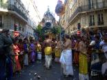 "Tamilisches Fest in Paris. Quelle: Wikimedia Commons, Foto ""Ganesh Paris 2004 DSC08471"" von Mai-Linh Doan, 2004 (CC BY-SA 3.0)"