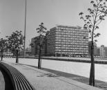 Ost-Berlin, Alexanderplatz Ecke Otto-Braun-Straße (ehem. Hans-Beimler-Straße) Blick auf das Haus der Statistik