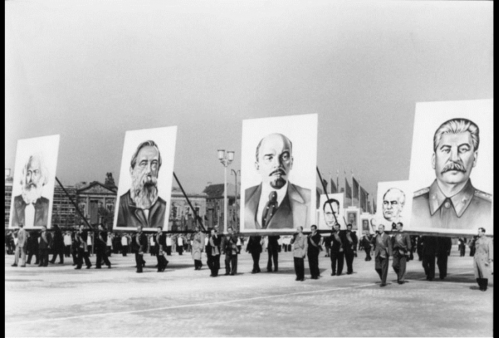 Berlin, Marx-Engels-Platz, Demonstration am 1. Mai 1953.