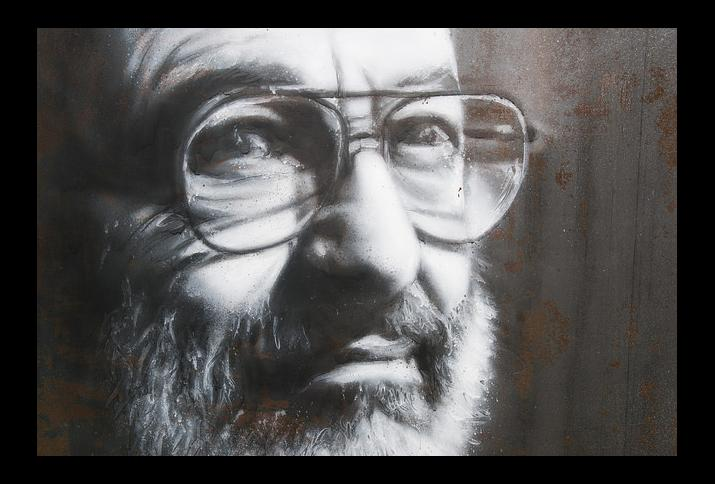Umberto Eco, painted portrait Foto: Thierry Ehrmann (Umberto Eco, painted portrait _DDC2719, aufgenommen am 11.3.2016) flickr CC BY 2.0