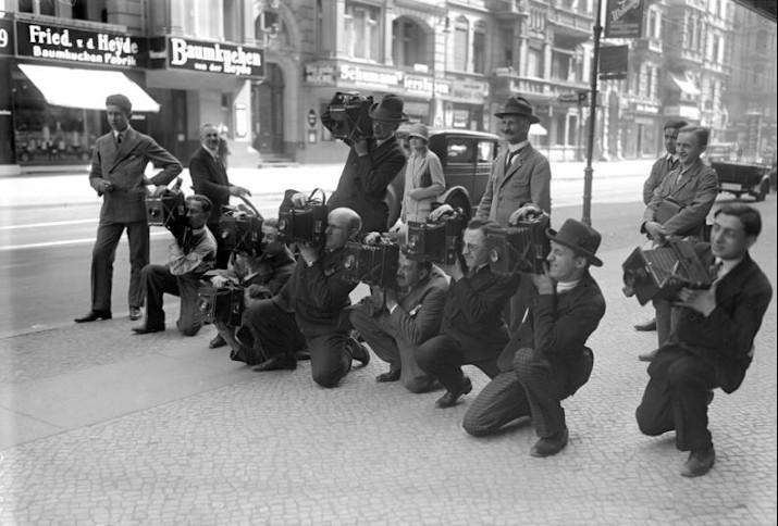 """""""Paparazzi"""" bei der Arbeit, Juli 1932"""