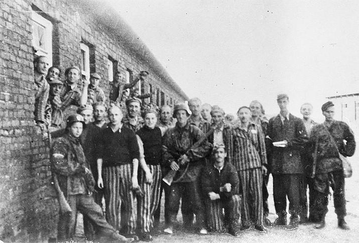 Jüdische Gefangene wurden von polnischen Soldaten befreit