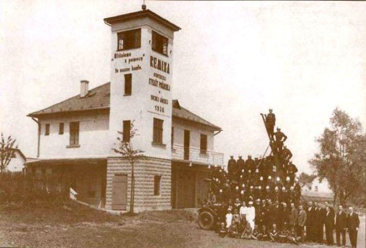 Feuerwehrhaus der Freiwilligen Feuerwehr in Horní Suchá (1936).