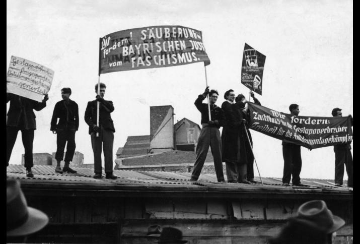 Protest gegen den Freispruch von leitenden Gestapo-Beamten, München, 1950