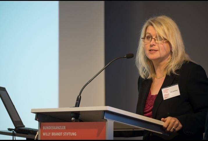 """Elke Seefried auf der Konferenz """"Wir wollen mehr Demokratie wagen"""" – Antriebskräfte, Realität und Mythos eines Versprechens, © Philipp Jester, BWBS"""