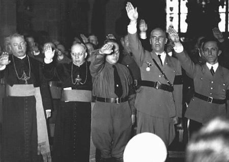 Die Bischöfe Rudolf Bornewasser und Ludwig Sebastian, sowie Josef Bürckel, Wilhelm Frick und Joseph Goebbels.