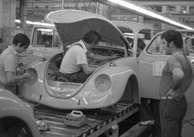 Wolfsburg, VW Autowerk, Käfer (1973).