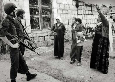 Robert Croma, Confrontation – Jabalia Camp, Gaza Strip, Palestine, 1988