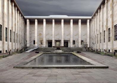 "Das Hauptgebäude des Nationalmuseums in Warschau. Urheber: User Muzeum Narodowe w Warszawie, Eigenes Werk ""Muzeum_Narodowe_w_Warszawie.jpg"", GFDL, 2010; Quelle: Wikimedia Commons (CC-BY-SA-4.0)"