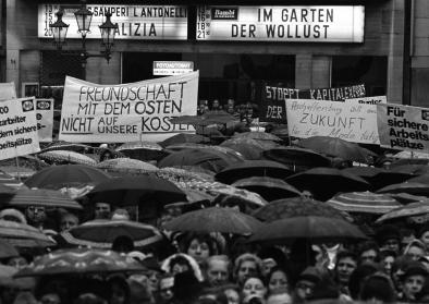 Demonstration von 10000 Textilarbeitern in Bonn, Marktplatz 13.12.1973, © J.H. Darchinger/Friedrich-Ebert-Stiftung