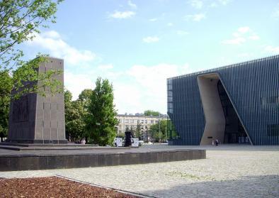 Eingang zum Museum der Geschichte der polnischen Juden