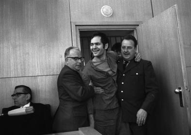 Andreas Baader wird in den Gerichtssaal gebracht, 14. Oktober 1968, © Peter Hillebrecht, picture alliance/AP Images