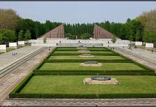 © Oleg Seifert   WikimediaCommons CC BY 3.0. Titel: Sowjetisches Ehrenmal, Berlin, Treptower Park