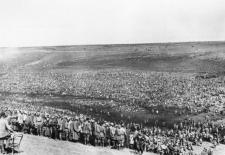 Sowjetische Kriegsgefangene im Lager Bundesachiv Bild 183-B21845, PK-Aufnahme, Kriegsberichter Wahner, 13.8.1942 | CC-BY-SA 3.0