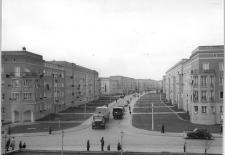 Straße der Jugend in Eisenhüttenstadt, 2. Mai 1956