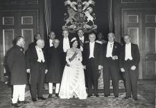 Photograph of Queen Elizabeth II and Commonwealth leaders