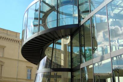 Deutsches Historisches Museum, Treppe am Neubau