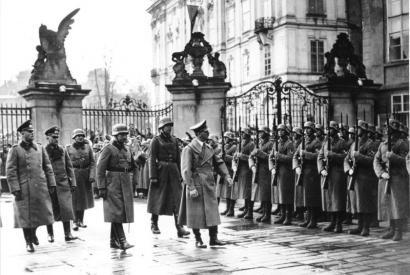 Adolf Hitler auf der Prager Burg am 15.3.1939