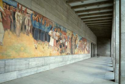 """Wandbild """"Aufbau der Republik"""" von Max Lingner in der Vorhalle des Detlev-Rohwedder-Hauses in Berlin"""
