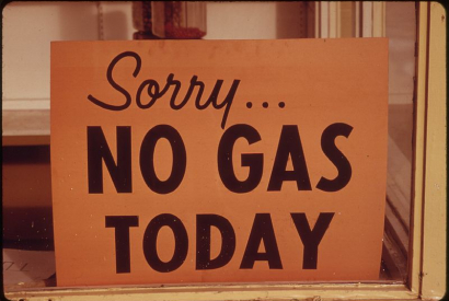 """NO GAS"" Schilder in Lincoln City, Oregon, Herbst 1973."