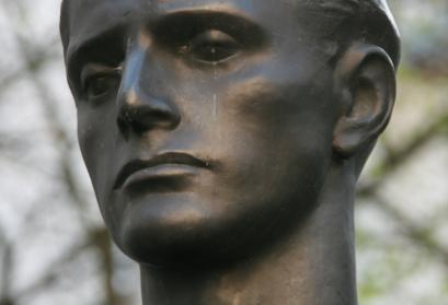 Stauffenberg: Statue von Richard Scheibe, Gedenkstätte Deutscher Widerstand, Berlin