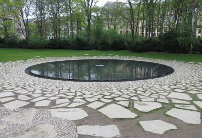 Foto vom Denkmal der Sinti und Roma in Berlin