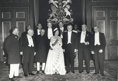 Photograph of Queen Elizabeth II and Commonwealth leaders