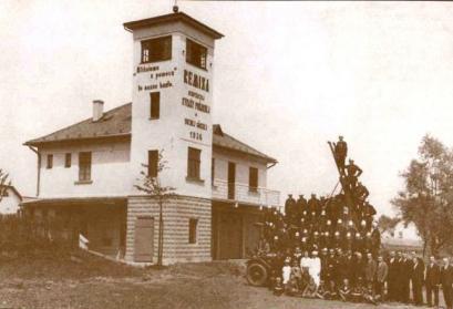 Feuerwehrhaus der Freiwilligen Feuerwehrin Horní Suchá (1936).